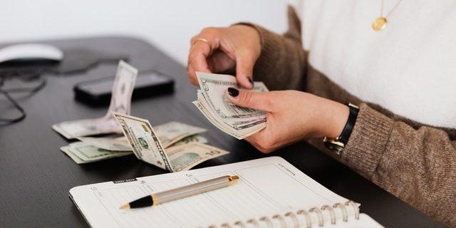 keraguan tentang uang